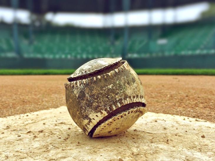 baseball-1091210_1920.jpg